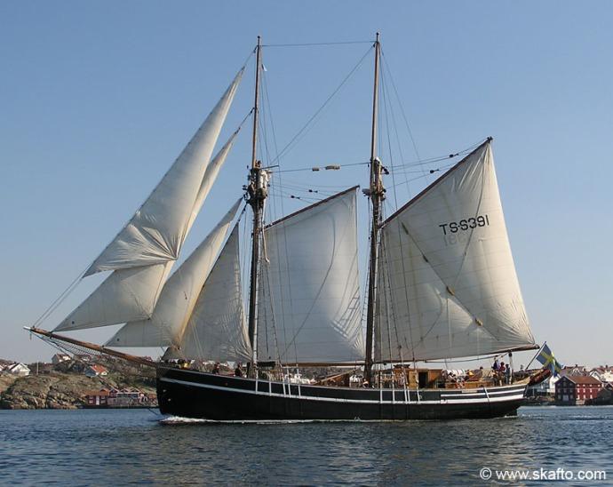 Kvartsita under segel utanför Grundsund
