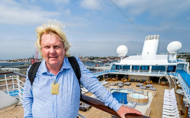 MS Nautica lägger till i Lysekil