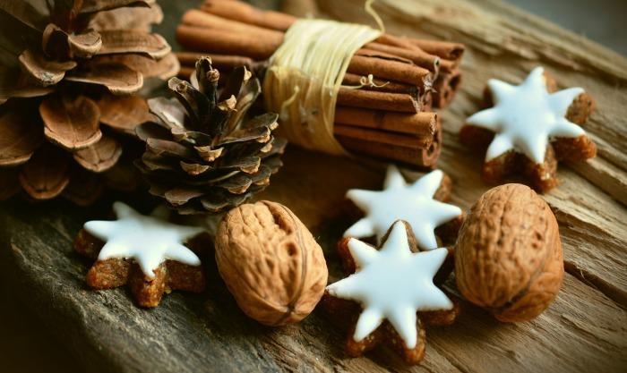 cinnamon-stars-2991174_1920 (1).jpg